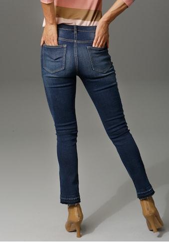 Aniston CASUAL Bootcut-Jeans, mit trendiger Waschung am leicht ausgefranstem... kaufen