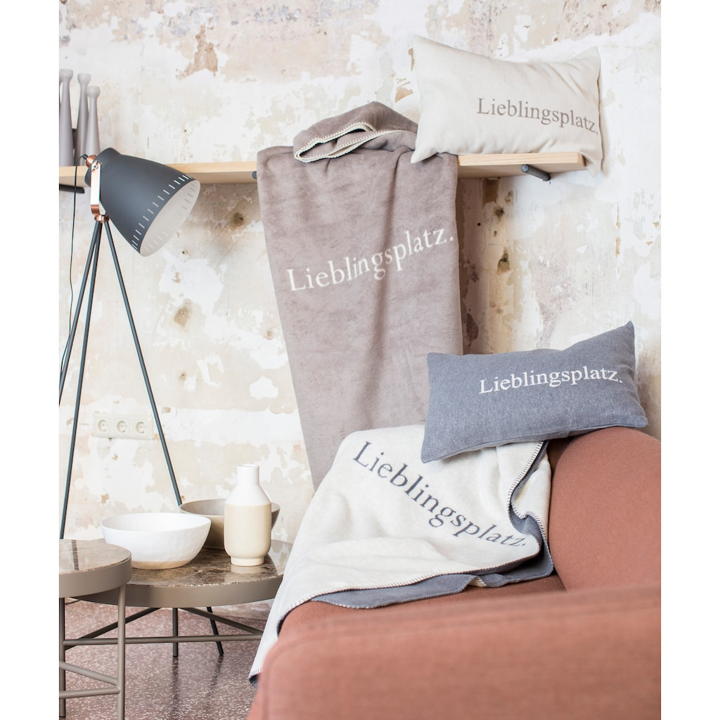 """DAVID FUSSENEGGER Wohndecke, mit Schriftzug """"Lieblingsplatz"""" - Made in Austria"""