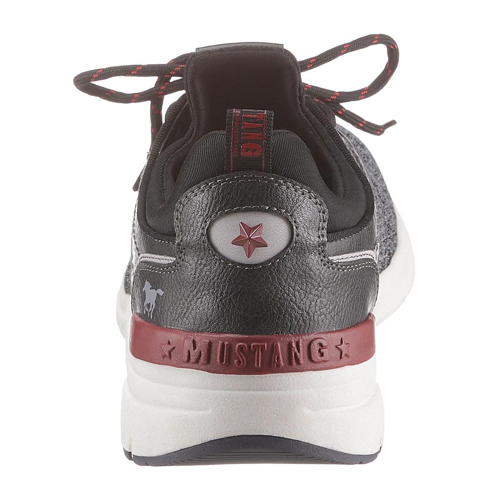 Mustang Shoes Sneaker, mit auffälligem Logo-Print