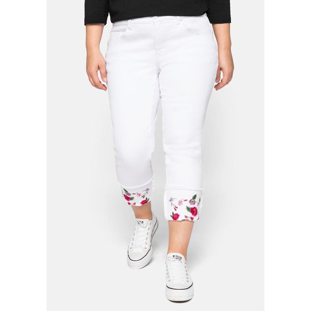 sheego by Joe Browns Stretch-Jeans, mit fixiertem Aufschlag und Blütenstickerei