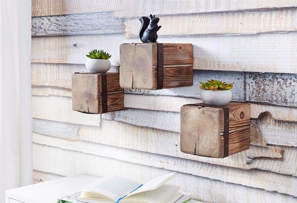 würfelförmige Holzregale