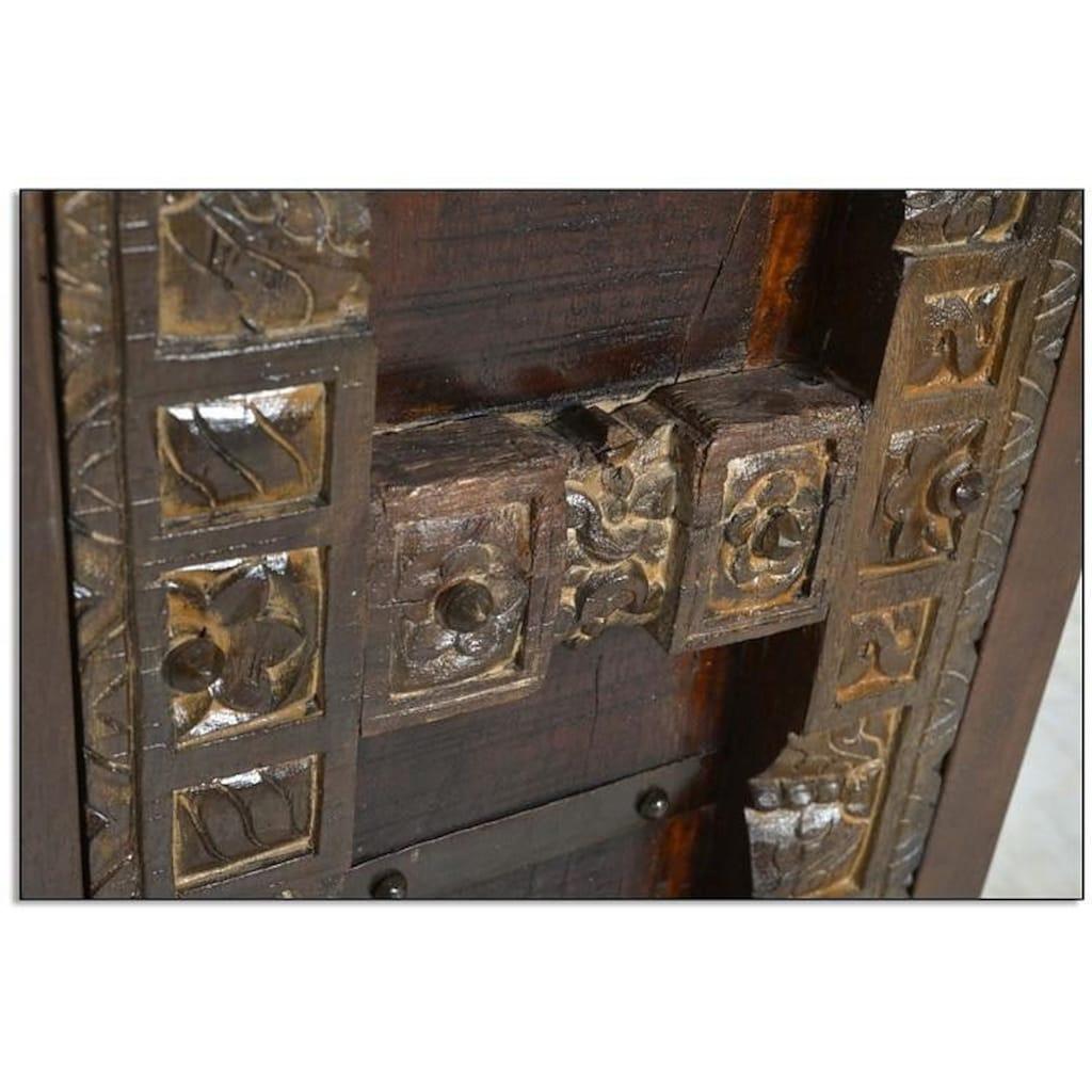 SIT Stauraumschrank »Almirah«, mit Schnitzereien und Metallapplikationen